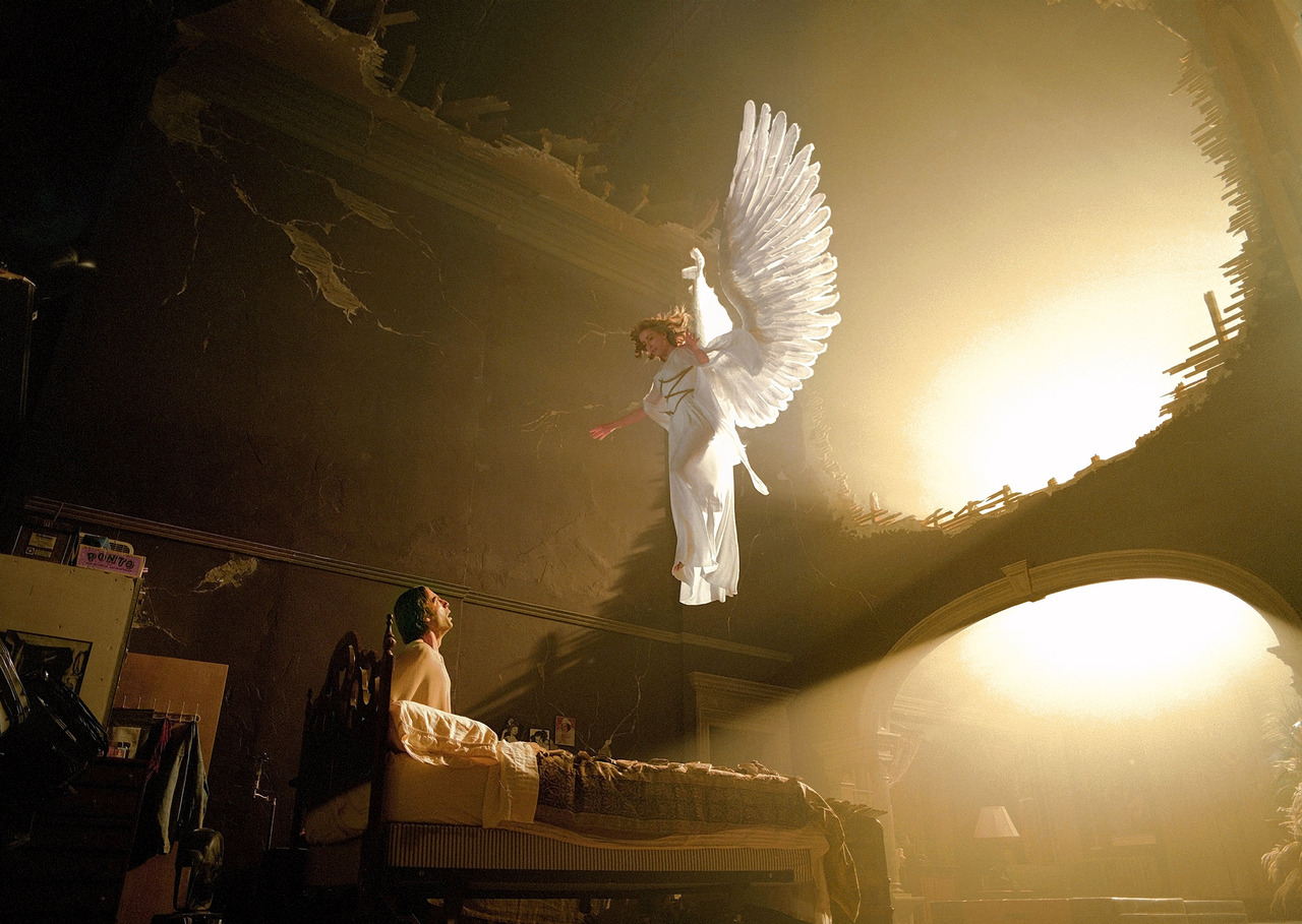 05 Angels in America